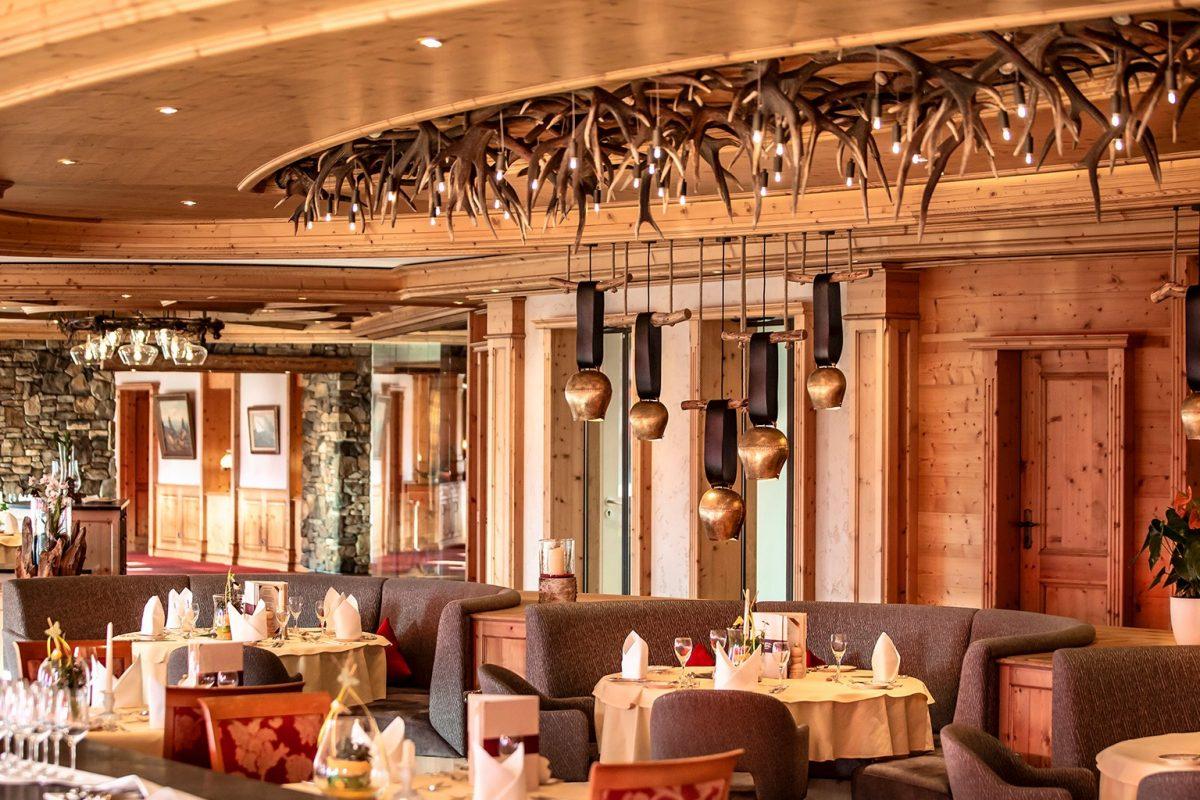 Elztalhotel_Steimel_Moebel_Restaurant_Bar_Empfang_1