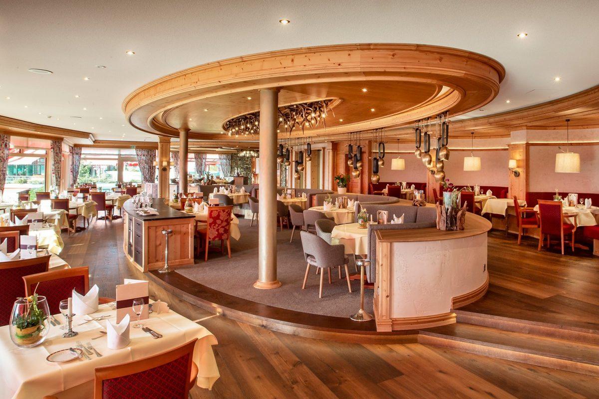 Elztalhotel_Steimel_Moebel_Restaurant_Bar_Empfang_2