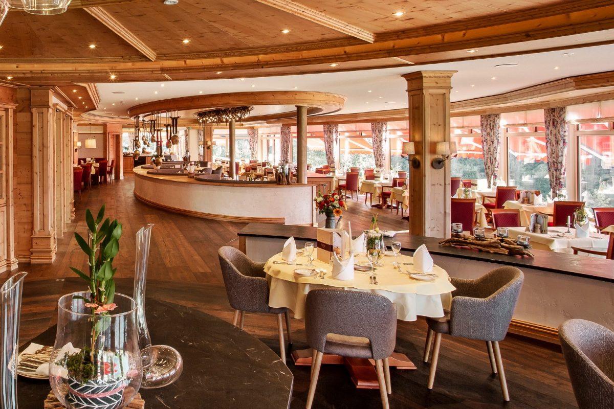 Elztalhotel_Steimel_Moebel_Restaurant_Bar_Empfang_5