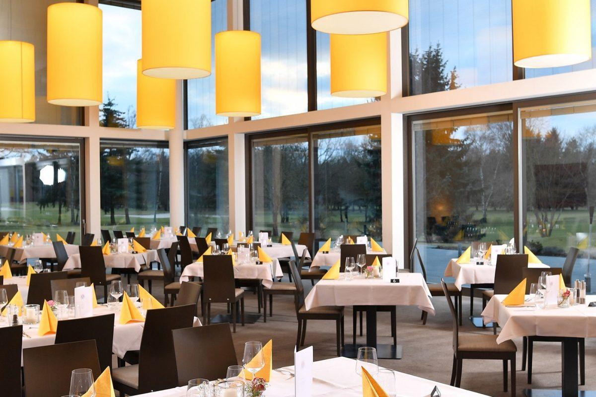 GolfclubViernheim_Steimel_Moebel_Restaurant_Bar_Empfang_2