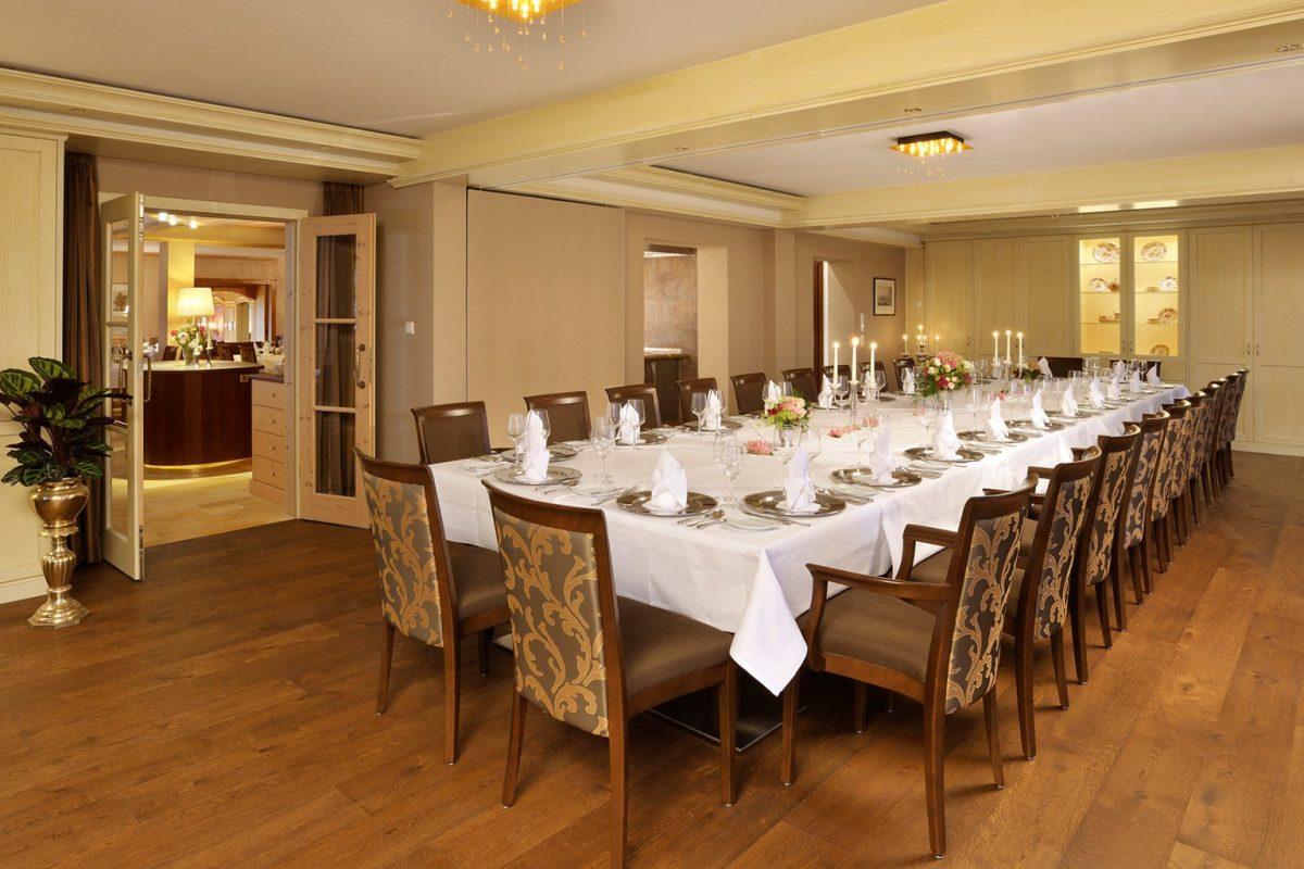 HoheLinde_Steimel_Moebel_Restaurant_Bar_Empfang_3